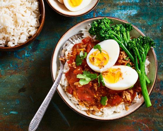 rijst in rijstkoker