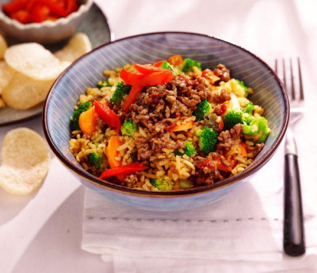 Pittige nasi goreng  met broccoli
