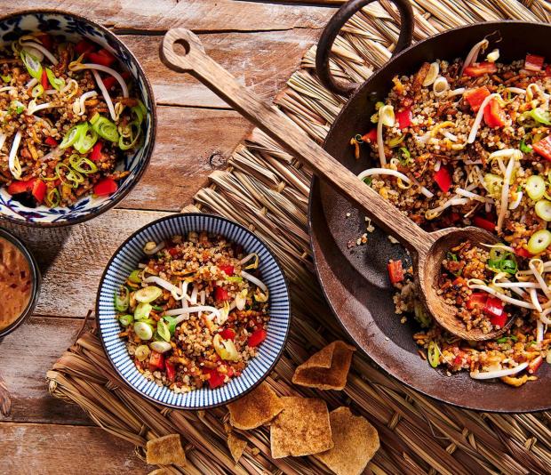 Quinoa goreng met tempeh