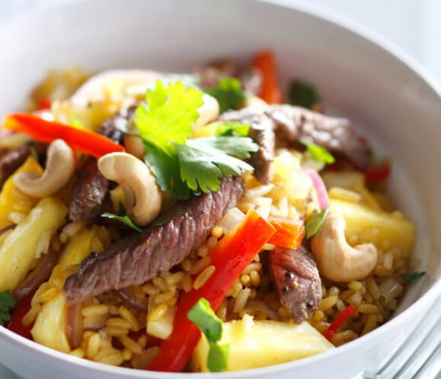 Pittige biefstuk  met paprika en ananas