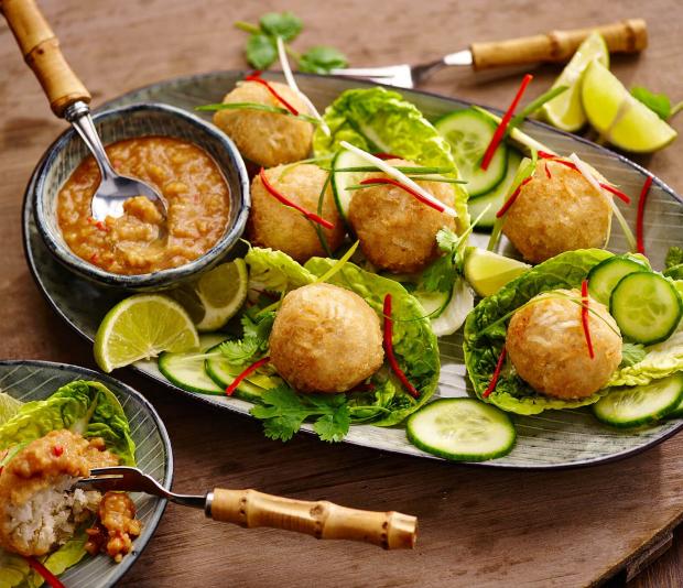 Krokante rijst-kokosballetjes