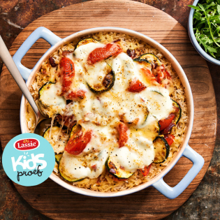 Italiaanse ovenschotel met tomaat, kaas en oregano
