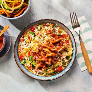 Chinese groenterijst met varkensreepjes en babipangangsaus