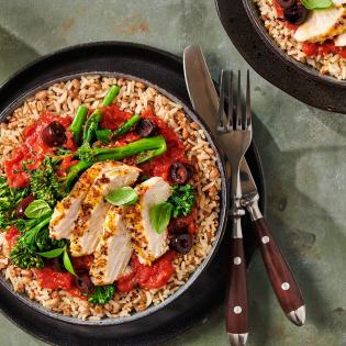 Zilvervliesrijst + Quinoa én Granen met Italiaanse citroenkip, tomaten-basilicumsaus en olijven