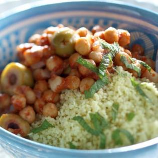Couscous  met kruidige kikkererwtensaus