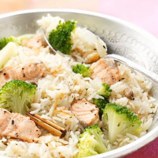 Pilav  met zalm en broccoli
