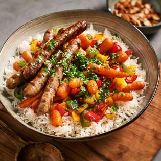Gegrilde chipolataworstjes met paprika en wortel