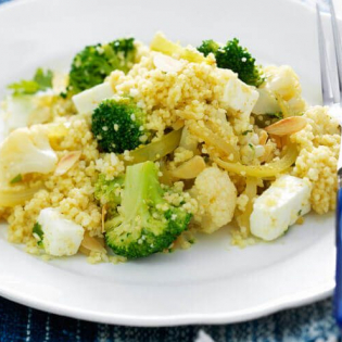 Curry van broccoli, bloemkool en couscous