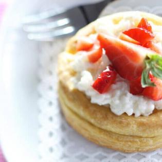 Rijsttaartje met aardbeien
