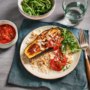 Italiaanse auberginetournedos met tomatensaus en kappertjes
