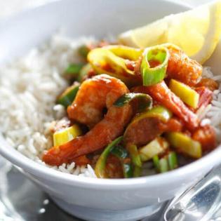Indiase curry met garnalen en prei