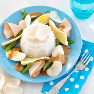 Kip met sperzieboontjes en banaan