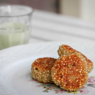 Quinoakoekjes  met Parmezaanse kaas