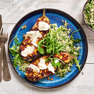 Geroosterde aubergine met mozzarella en pestorijst