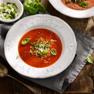Verse tomatensoep met zilvervliesrijst